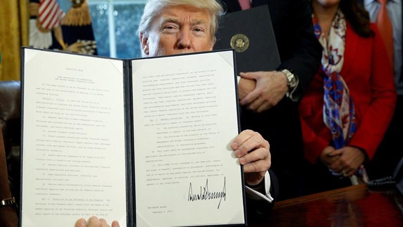 Fitch: Trump coloca riscos para os soberanos globais