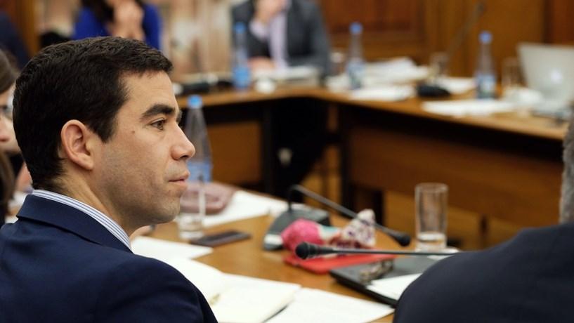 """PSD aponta """"contradição estranha e grave"""" no Governo sobre saídas de lista negra de """"offshores"""""""