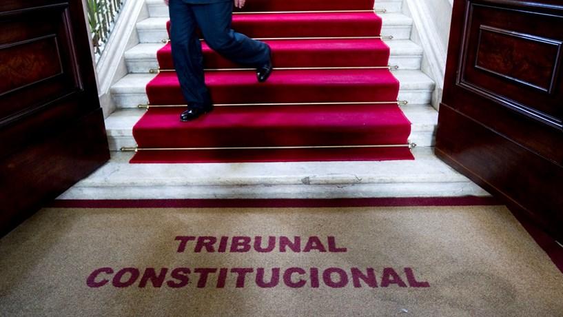 Parlamento não pode delegar competências sobre financiamento partidário