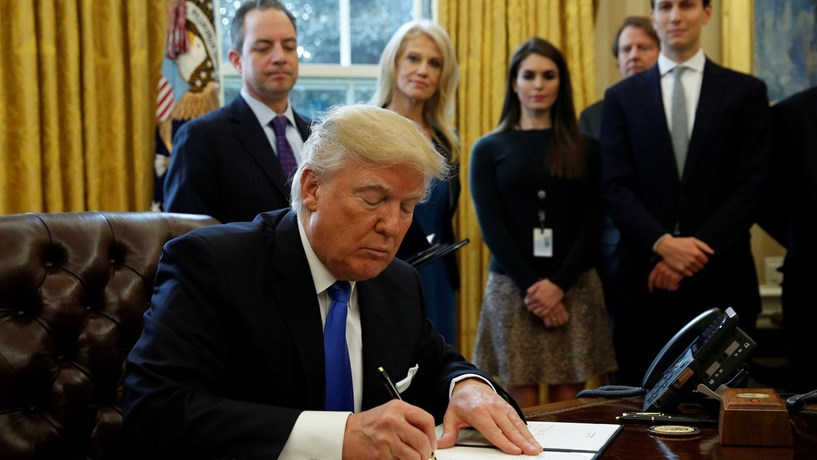 Orçamento de Trump com cortes drásticos na ajuda dos EUA ao estrangeiro