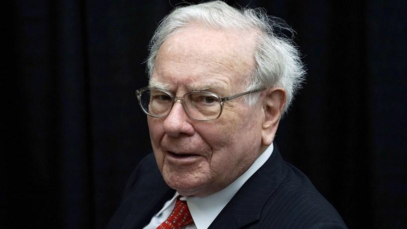 """Buffett: """"Ser-me-á dado um corte de imposto de 17%"""" com mudanças na saúde"""