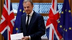 """Reino Unido ainda fica na UE? Tusk cita """"Imagine"""" de John Lennon"""