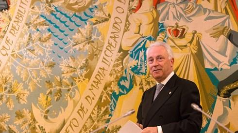 Banco de Portugal: Economia cresce mais com ajuda do Papa e desemprego baixa os 10%