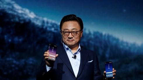 Samsung lança novo smartphone e apresenta a Bixby, a nova assistente pessoal