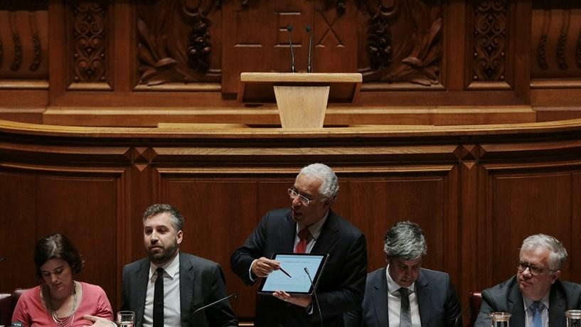 Costa abre debate quinzenal com intervenção sobre políticas sociais