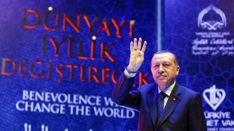 Conflito diplomático entre Turquia e Holanda com ameaças mútuas