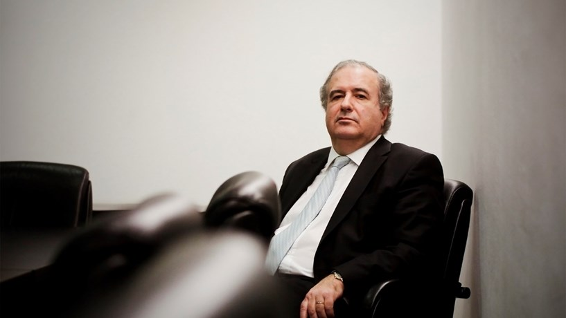 """José Veiga Sarmento: """"Temos um sobre-esforço regulatório que abafa actividade"""""""