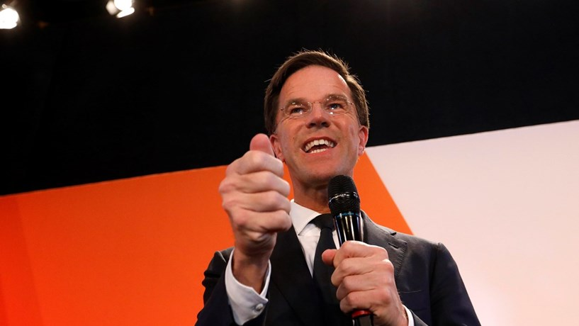 Holanda: Direita trava extrema-direita e prepara governo a quatro