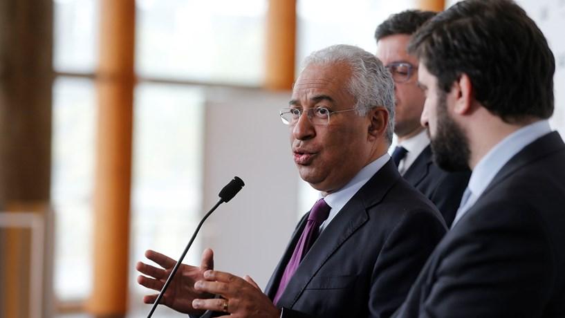 António Costa defende reposição da justiça nas reformas e nos escalões do IRS