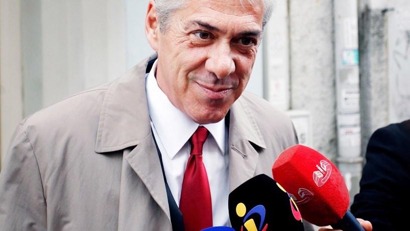 Sócrates terá recebido oito milhões para travar venda da PT na Vivo