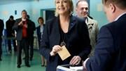 Le Pen anuncia saída da liderança da Frente Nacional