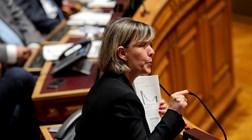 Maria Luís Albuquerque desafia Governo a corrigir tabelas de retenção do IRS