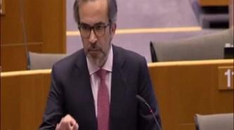 """Eurodeputados portugueses apontam """"a porta da rua"""" a Dijsselbloem"""