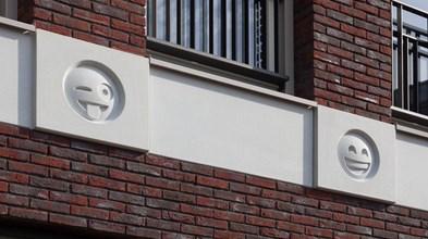 Arquitectura com emojis anima cidade holandesa