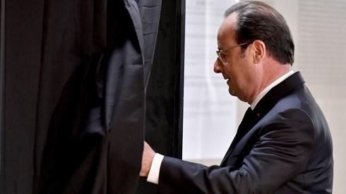 Hollande declara apoio a Macron