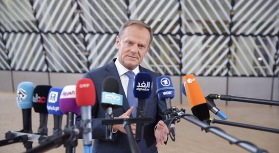Líderes da UE adoptam orientações para o Brexit em menos de 15 minutos