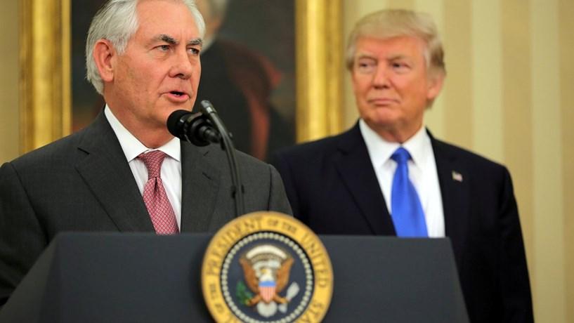 Tillerson adopta posição de força contra a Rússia antes de viajar para Moscovo