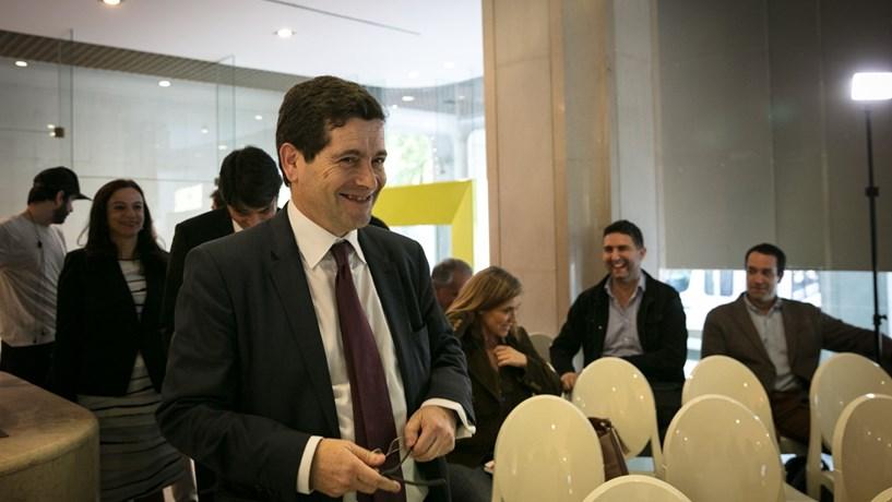 Bruxelas dá primeira luz verde à venda do Novo Banco