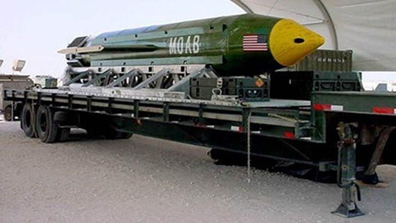 """""""Mãe de todas as bombas"""" pesa 9,5 toneladas e faz explosão com diâmetro de 1,4 quilómetros"""