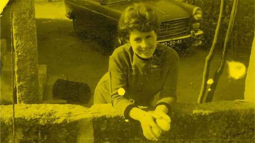 Em São Martinho do Campo (Santo Tirso), a 21 de Maio de 1976, Rosinda Teixeira morreu na sequência de uma bomba colocada na sua casa por Ramiro Moreira. O marido tinha simpatias de esquerda.