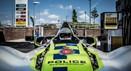 Quando a polícia recebe o reforço de um super-desportivo