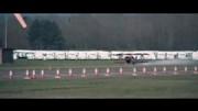 A corrida entre um avião e um Morgan Aero 8