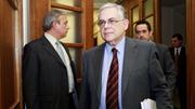 Ex-primeiro ministro grego ferido em ataque com bomba