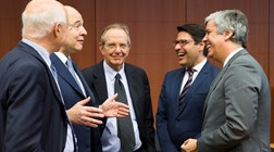 Saída do PDE não deve ajudar negociações do próximo OE