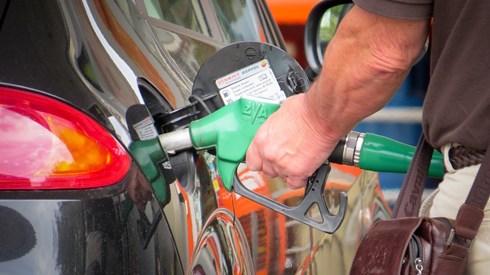 Combustíveis voltam a descer para mínimos de 2016