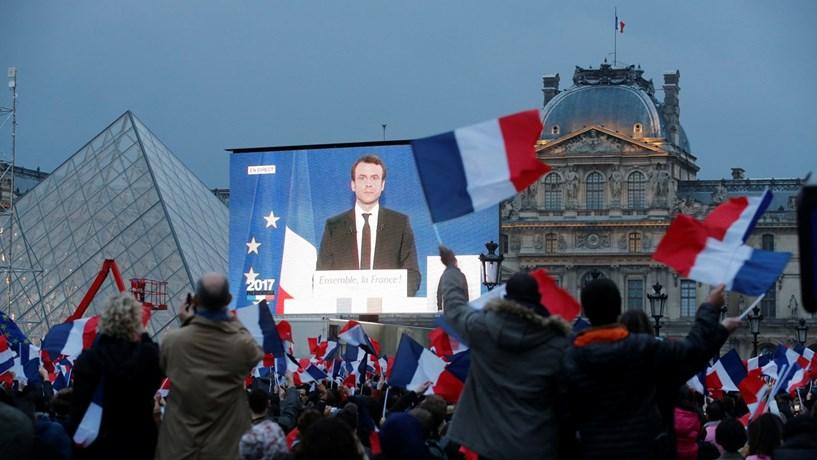 Macron abre a porta à entrada dos conservadores na sua lista para as legislativas