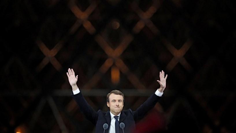 Partido de Macron garante maioria absoluta em França