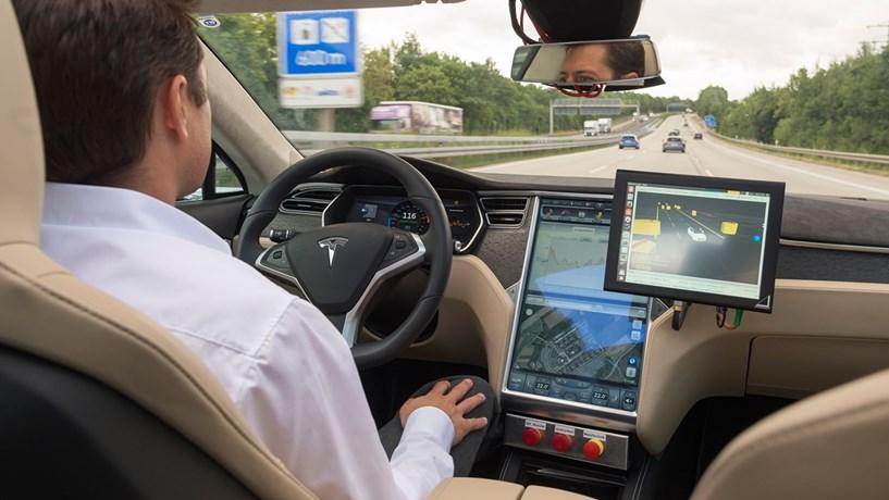 Brisa dá via verde à Bosch para testar carros autónomos