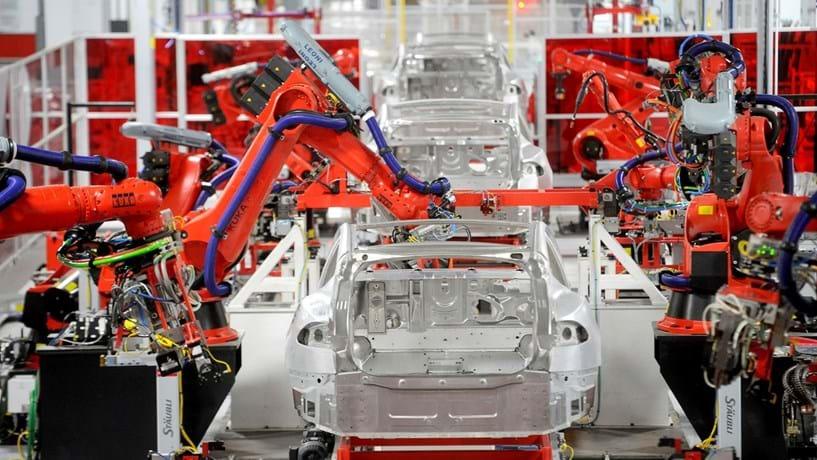 Trabalhadores queixam-se de condições na Tesla