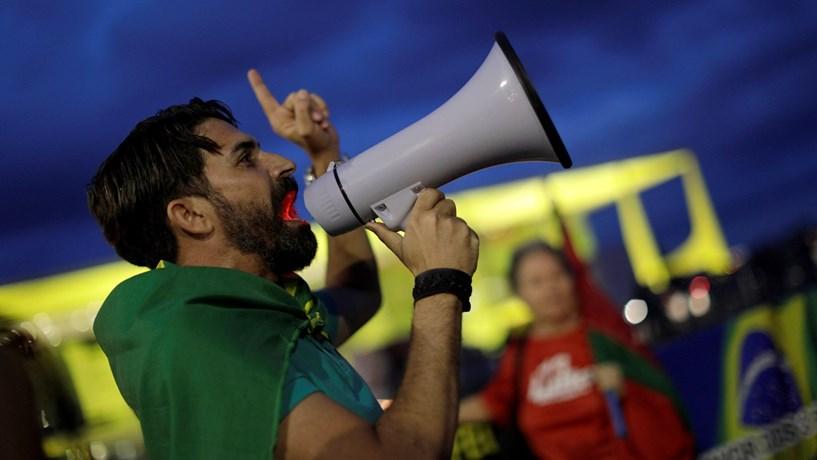 FMI promete vigiar de perto situação no Brasil após nova crise política