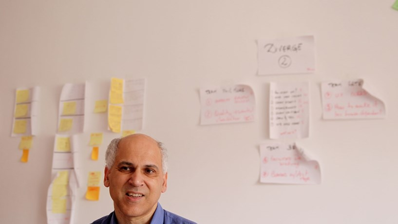 """José Paiva defende """"campanha nas escolas"""" para incentivar cursos de informática"""