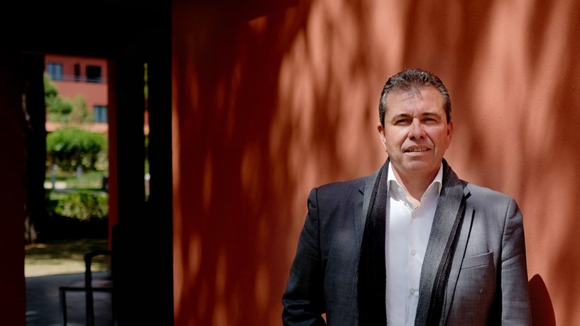 """Carlos Leal: """"Houve um abandono do Algarve pela TAP"""""""