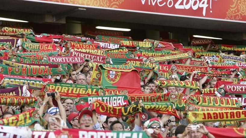 2004: Portugal organizou o Euro mas os gregos ganharam