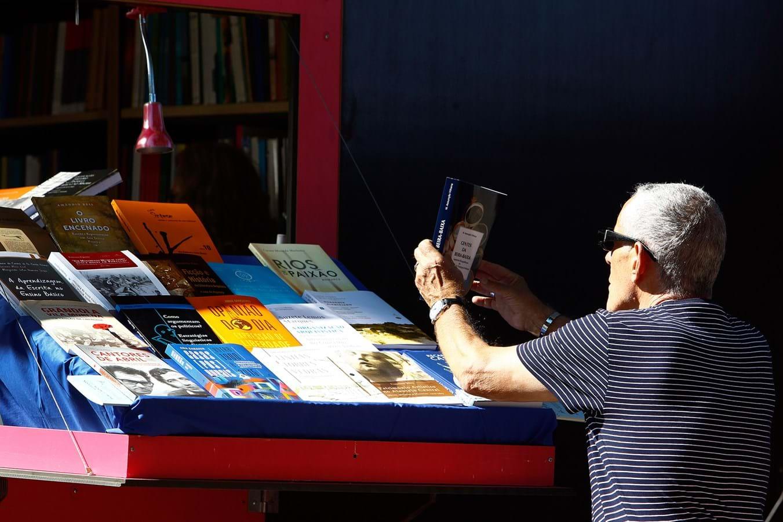 b6384f32e9e O grupo Porto Editora vai promover encontros de leitores de ebooks.