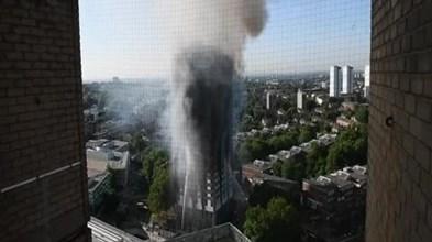 Português que vive no prédio em Londres critica actuação das autoridades