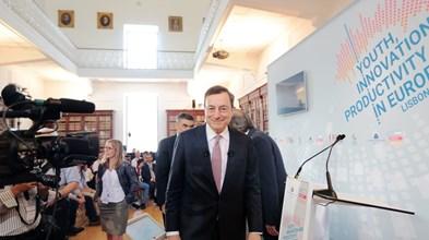 Nem entre alunos portugueses Draghi se livra da oposição alemã