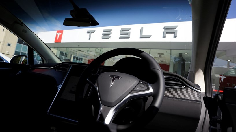 Tesla confirma estudo para abrir fábrica na China