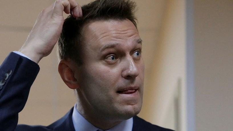 Líder da oposição russo detido antes de participar num protesto contra a corrupção