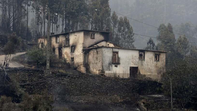 Duzentas habitações totalmente destruídas pelo incêndio em Pedrógão Grande