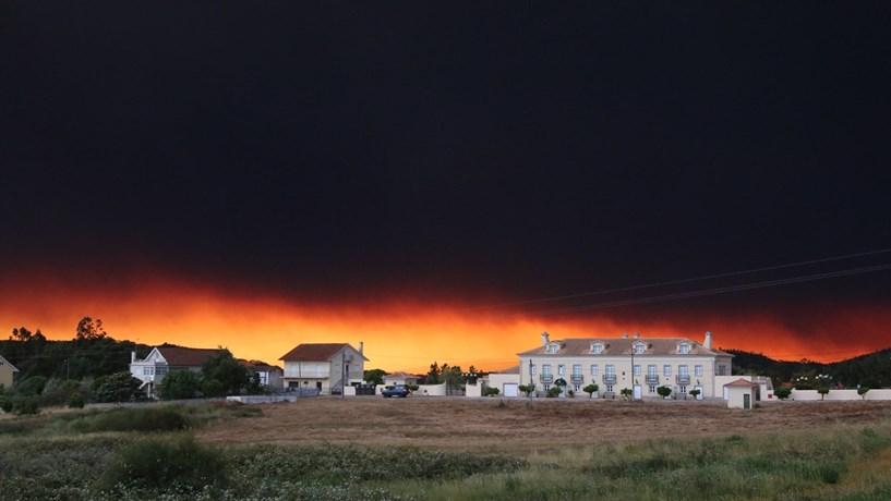 Mais de 2.000 operacionais combatem principais fogos no país