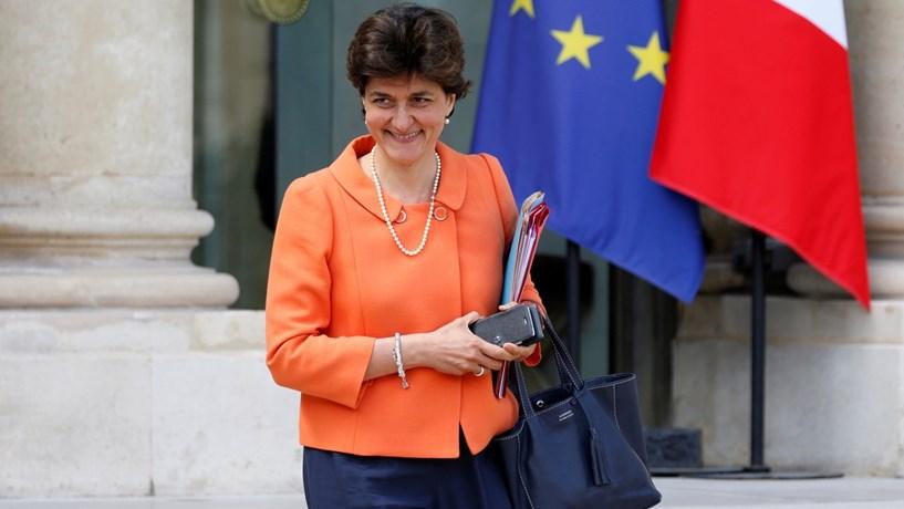 Ao segundo dia pós-legislativas já há duas demissões no governo francês