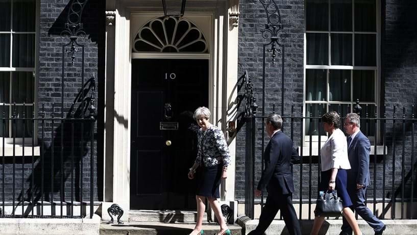 Conservadores e unionistas chegam a acordo no Reino Unido