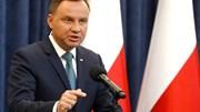 Presidente polaco contraria governo e veta leis de controlo do poder judicial