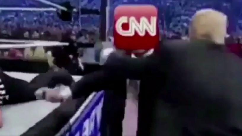 Trump publica vídeo a 'bater' na CNN, canal de TV lamenta