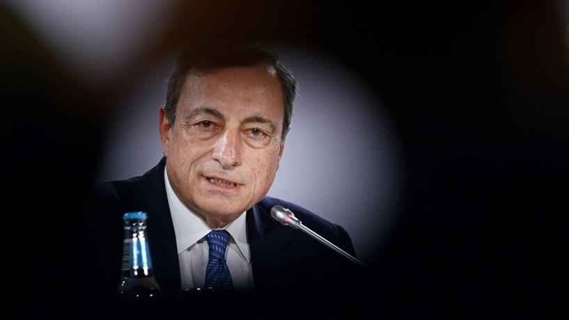 BCE mantém estímulos pelo menos até dezembro