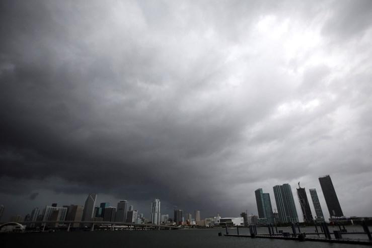 Furacão Irma arrasa Cuba e se aproxima da Flórida